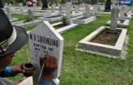 Hukum Menulis Nama, Hari Dan Tanggal Wafatnya Seseorang Di Batu Nisan