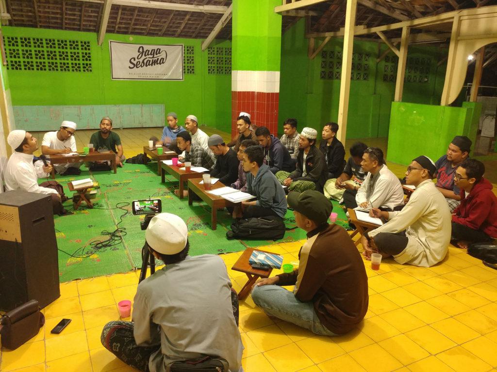 Kajian Rutin Ilmu Fiqih Kitab Safinatun Najah, Setiap Rabu Malam Kamis, Bertempat di Masjid Ar-Rochman Manahan Surakarta