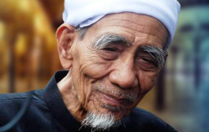 Nasehat Al-'Allamah KH Maimoen Zubair Kepada Para Santri