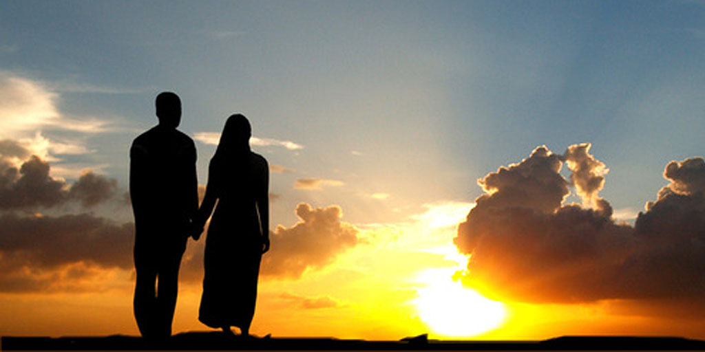 Bagaimana Etika Dalam Berhubungan Intim Antara Suami Dan Istri