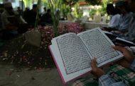 Sampaikah Bacaan Surat Yang Ada Di Al Quran Kepada Mayit