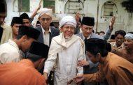Adab Imam Abu Hanifah Saat Dicela