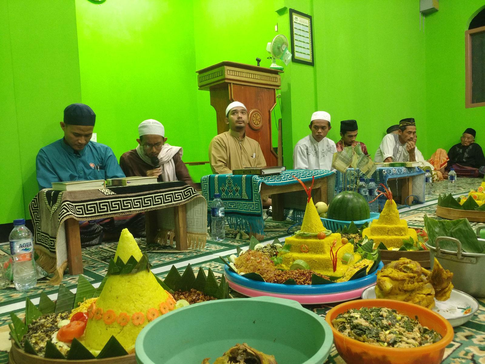 MP3 Rekaman Khataman Qur'an bersama Ustadz Zidan Baslum dan Ustadz Ali Assegaf di Masjid Ar-Rahman Pucung, Eromoko, Wonogiri 2019